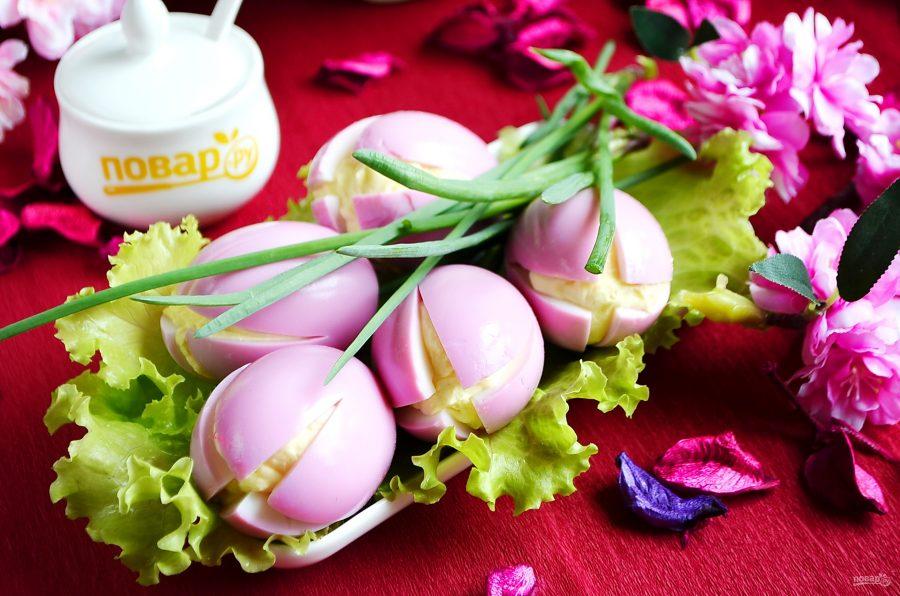 """Красивая закуска """"Цветы"""" из яиц"""