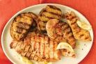 Курица с лимоном и чесночным хлебом