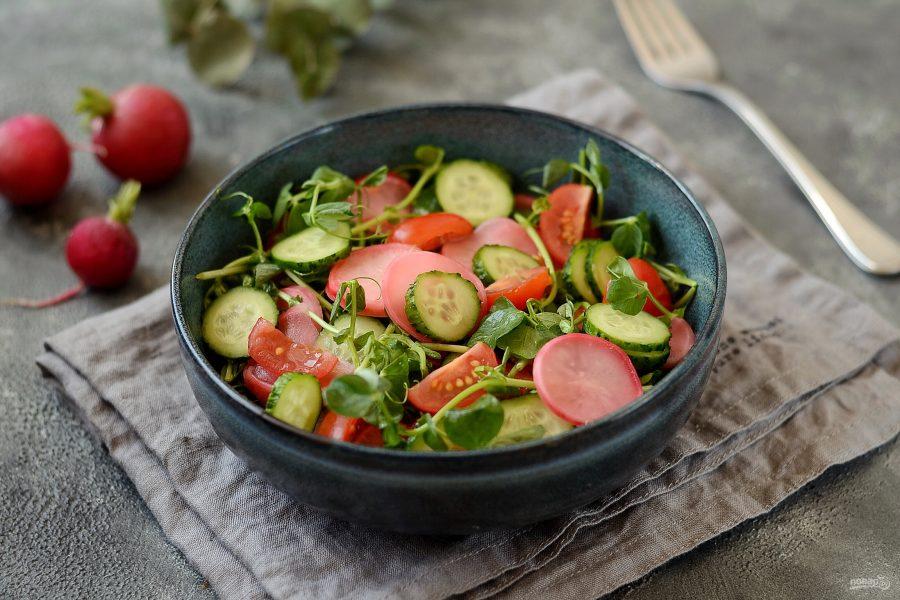 Салат с маринованной редиской