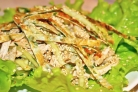 Салат с омлетом и курицей