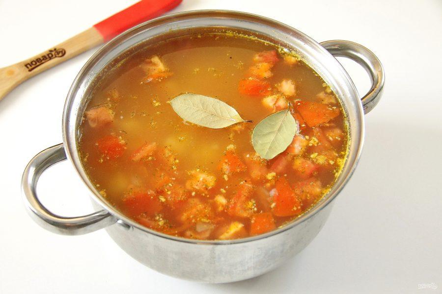 Гороховый суп с помидорами