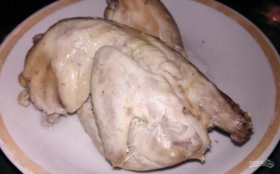 Лапша домашняя на курином бульоне