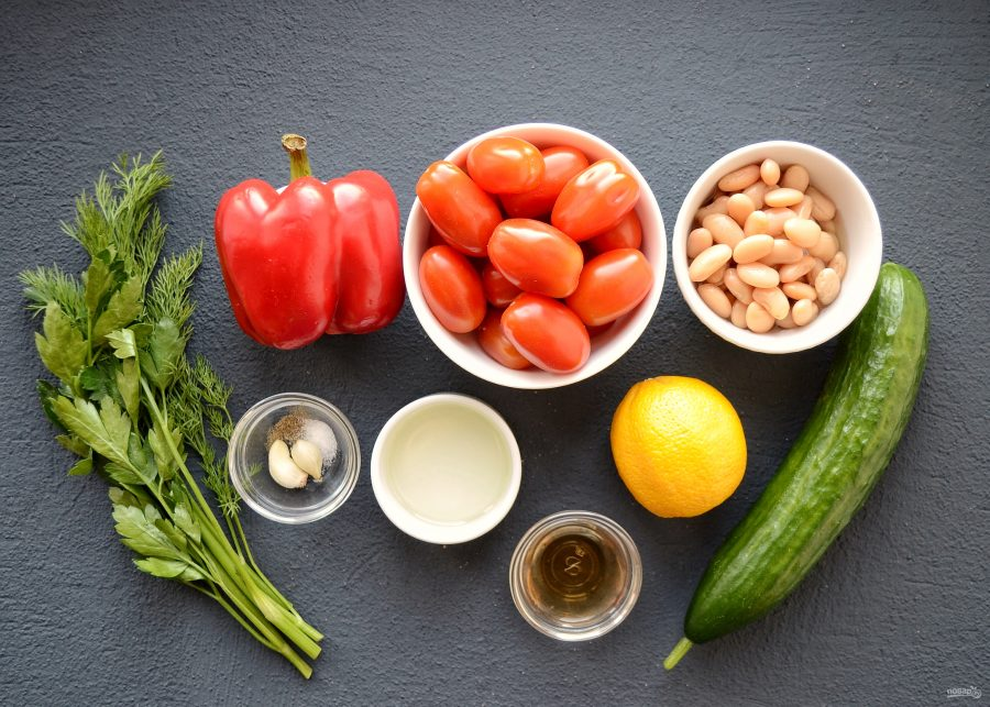 Ингредиенты для гаспачо с фасолью