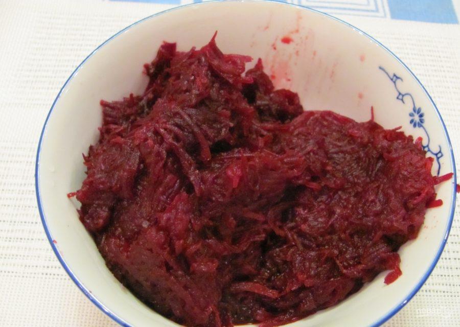 Салат с гранатом и мясом