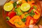 Салат с манго и помидорами