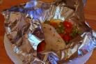 Курица, запеченная в фольге с овощами