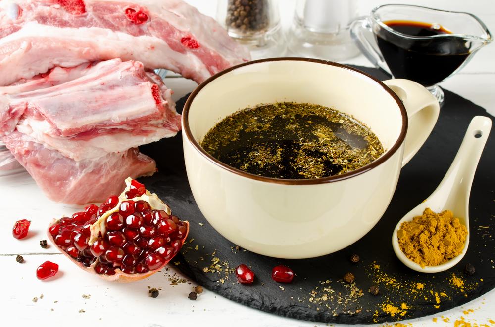 Маринад для шашлыка из соевого соуса и гранатового сока