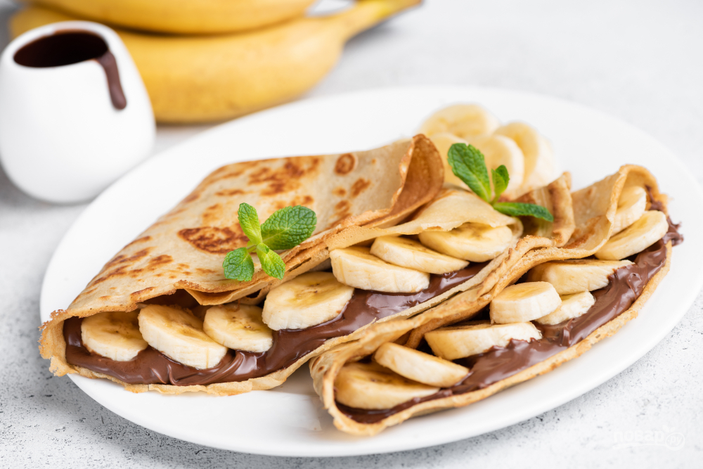 Тонкие блинчики с нутеллой и бананами