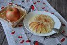 Манная каша с яблоками