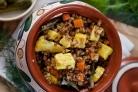 Гречка с овощами и сыром в горшочке