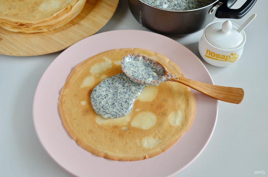 Приготовление блинного торта с маком