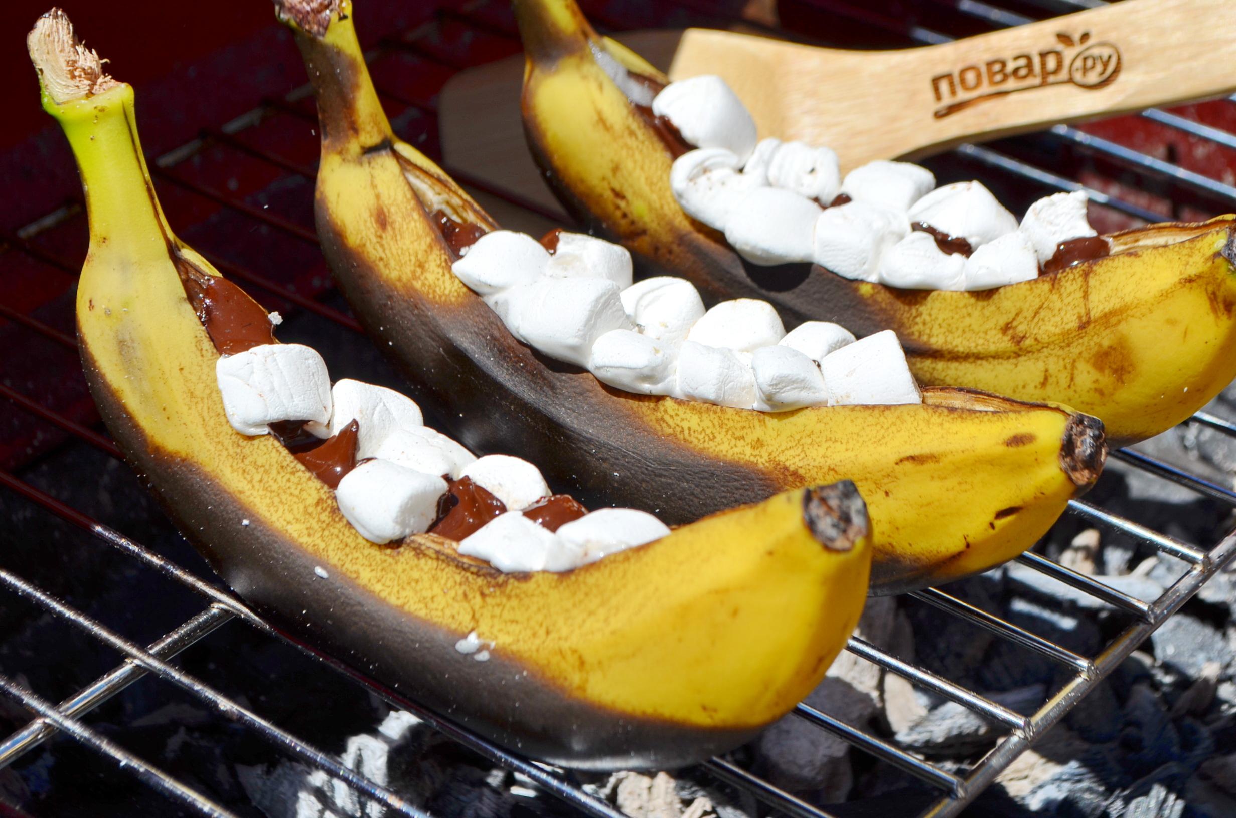 Запеченные бананы, шаг 4: запеченные на гриле бананы готовы