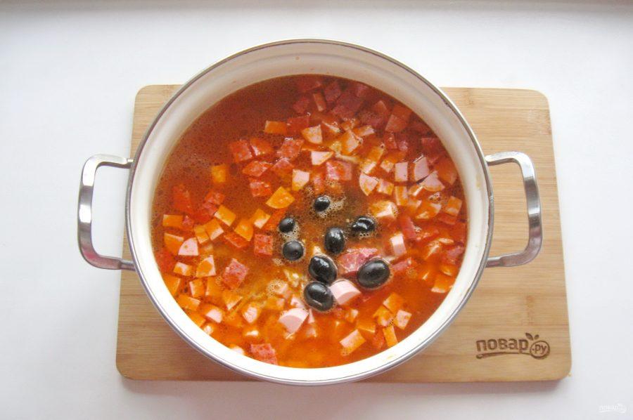 Приготовление мясной солянки