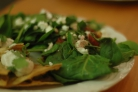 Салат из шпината с козьим сыром