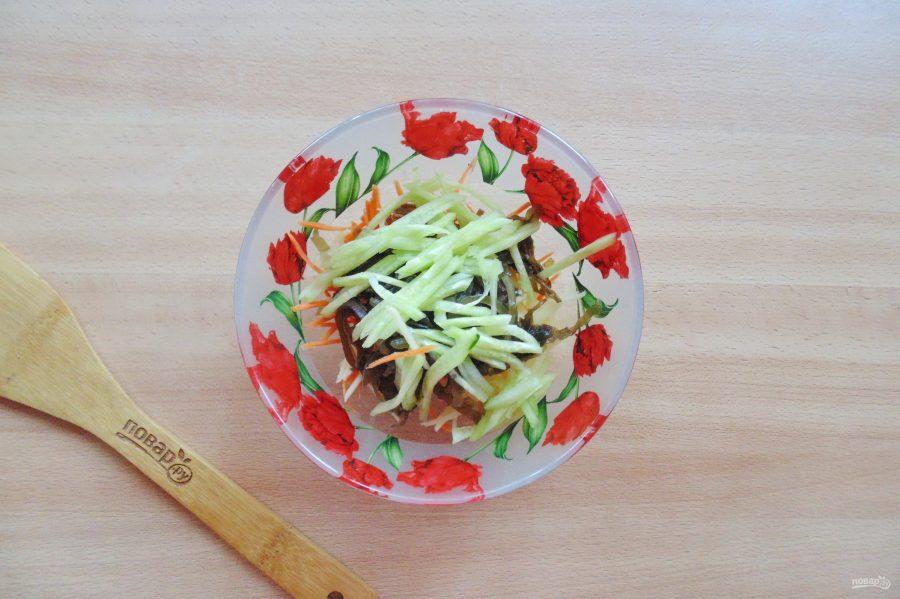 Витаминный салат из морской капусты