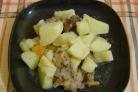 Говядина, тушенная с картофелем в мультиварке