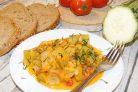 Гарнир из кабачков с овощами в сливках