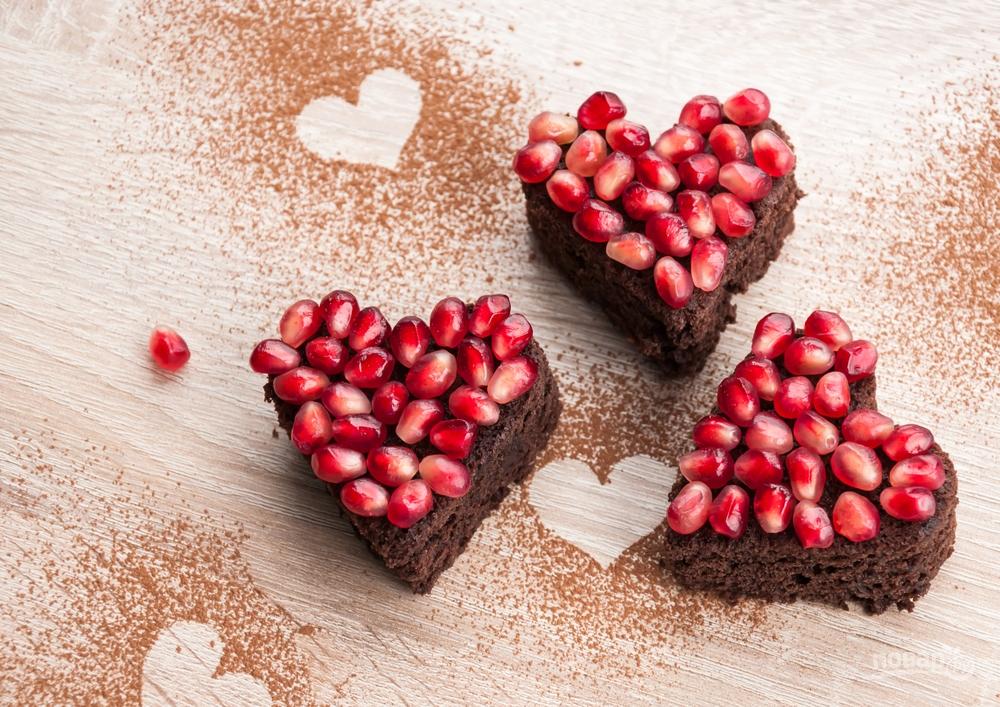 Шоколадные пирожные-сердечки