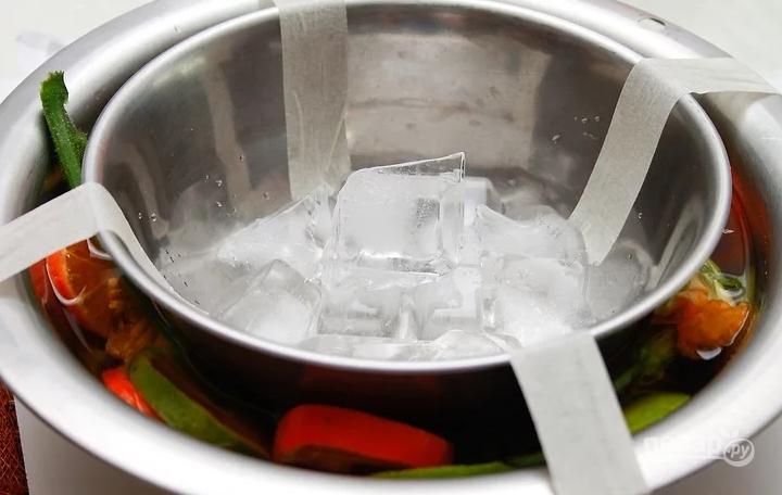 Праздничная ледяная чаша