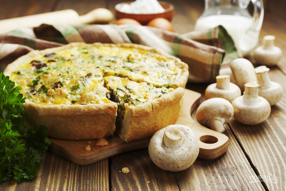 Пирог из курицы и грибов