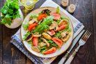 Салат с рукколой и шампиньонами