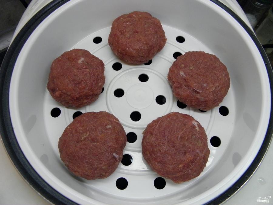 Котлеты под грибным соусом