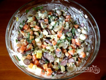 """Салат """"Охотничий"""" с колбасками"""