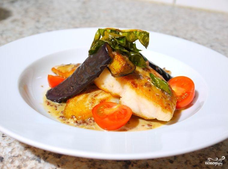 Белая рыба в сливочном соусе с анчоусами