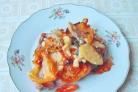 Курица, запеченная с сыром и овощами