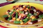 Салат из консервированной фасоли