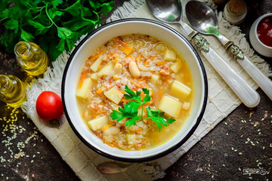 Суп с беконом, фасолью и гречкой