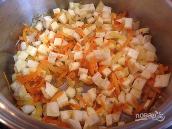 Свекольный суп с кочерыжкой брокколи