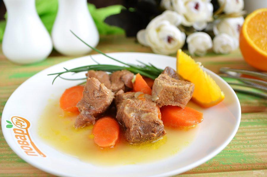 Говядина с морковью в винном соусе