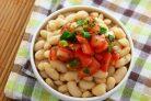 Салат с фасолью и помидорной сальсой