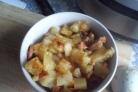 Картофель с сосисками в мультиварке