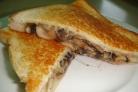 Тосты с сыром и грибами