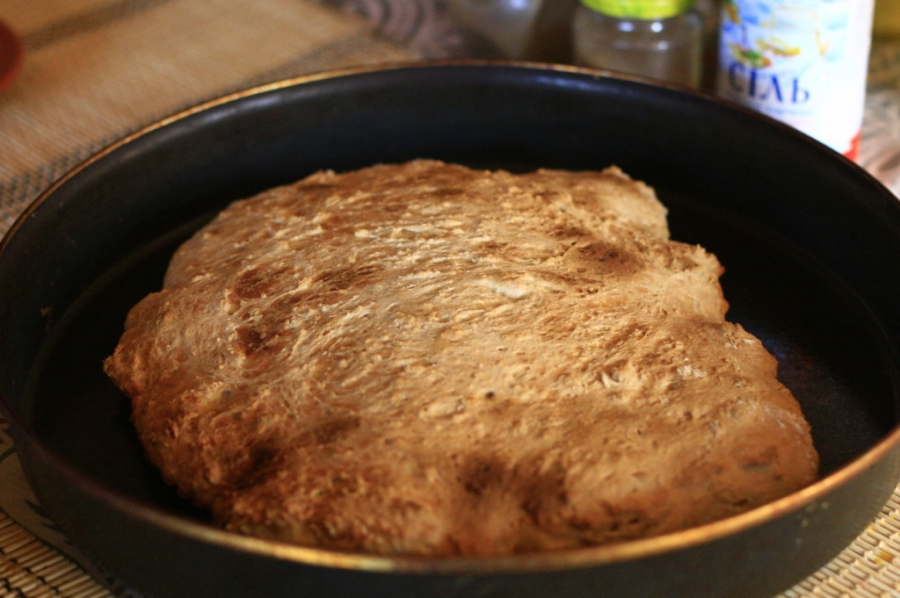Бездрожжевой хлеб на кефире - фото шаг 2
