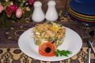 Салат с салями и кукурузой