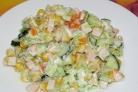 Салат с копченой курицей и огурцом