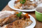 Цыпленок, фаршированный сухарями