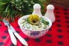 Салат с колбасой и огурцом