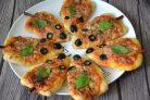 Новогодние мини-пиццы Мышки