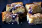 Вкусный черничный пирог с корицей