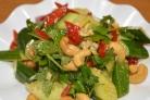 Салат из битых огурцов