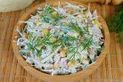 Салат с кукурузой, капустой и колбасой
