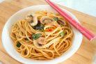 Спагетти с соевым соусом