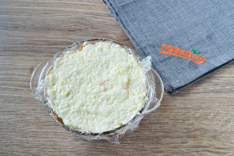 Закусочный торт с крабовой начинкой