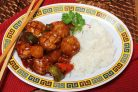 Фрикадельки из курицы в чили соусе с овощами