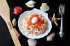 Салат Жемчужина с кальмарами и красной икрой
