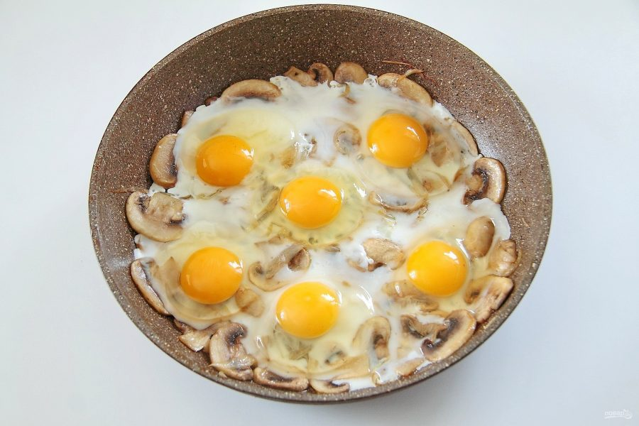 Яичница с грибами